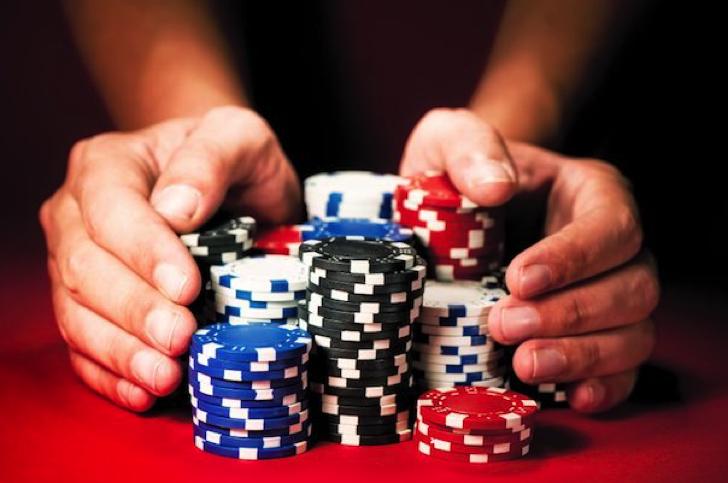 バイナリオプションは金融庁公認のオンラインカジノだ