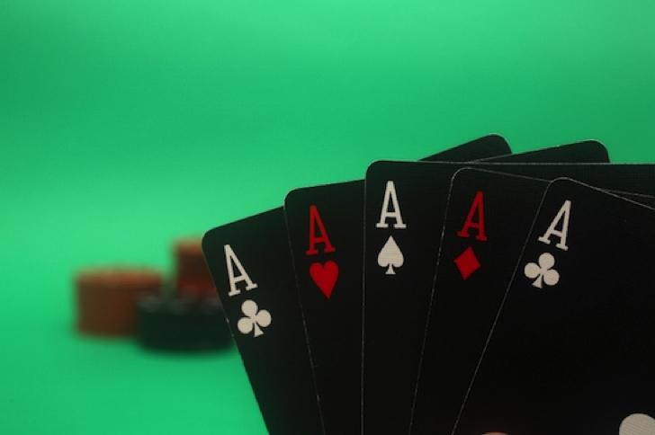 【カジノ法案大詰め】その裏で息の根を止められるパチンコ業界